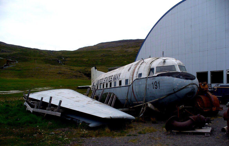 Un avion abandonné en Islande.