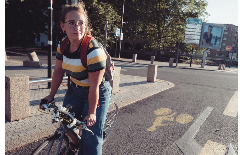 Des routes à forte circulation ont été aménagées pour la pratique du vélo avec des bandes cyclables temporaires.
