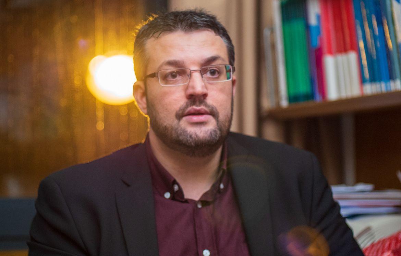 Nicolas Dufrêne dans son bureau à l'Assemblée Nationale.