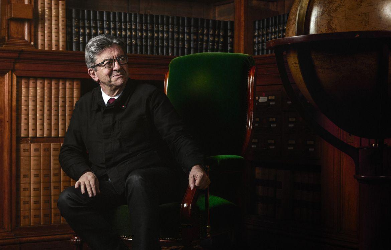 Jean-Luc Mélenchon à la bibliothèque de l'Assemblée Nationale.